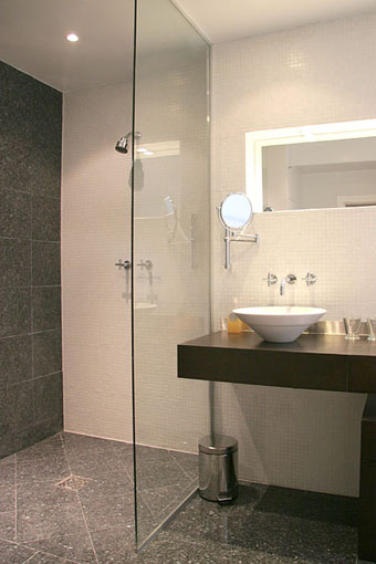 Open shower design small bathrooms for Wet area bathroom ideas